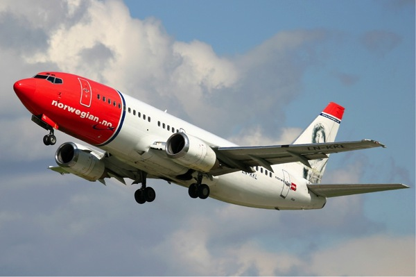 Norwegian Air Shuttle Boeing 737 300 Pichugin